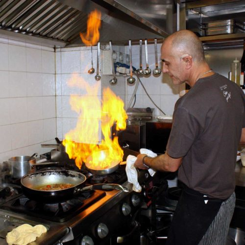 Chef Alberto in cucina Le Rune